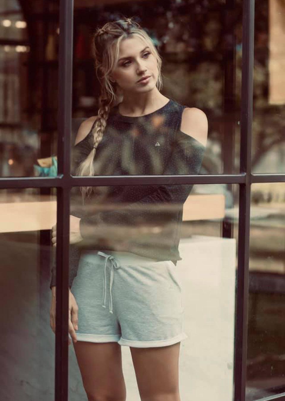 adriana contreras (22)