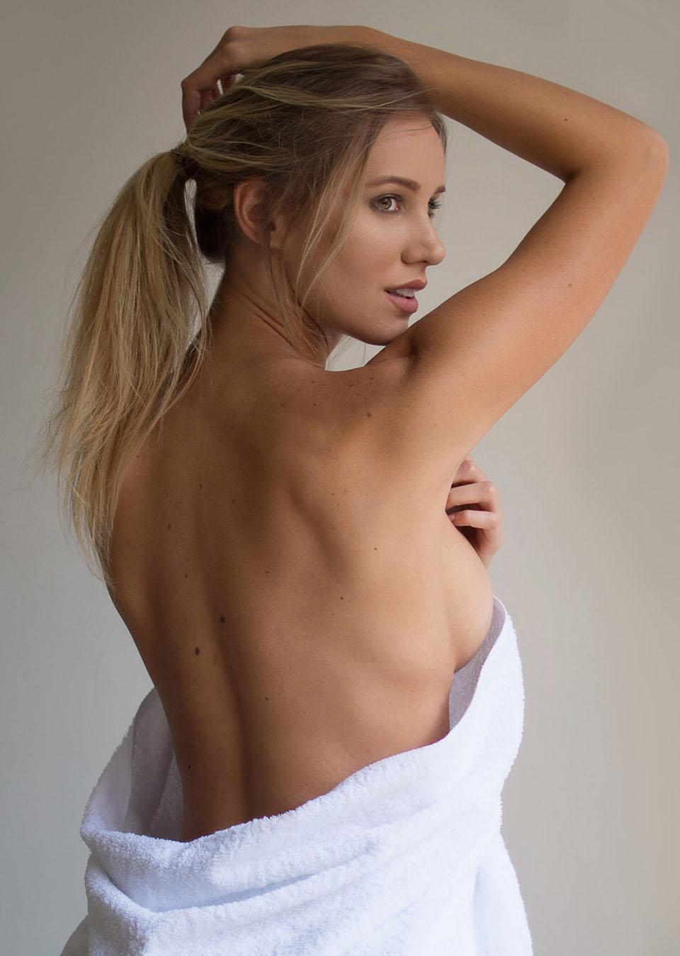 alicia dolany (22)
